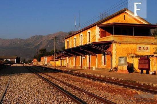 中国最美的十个火车站