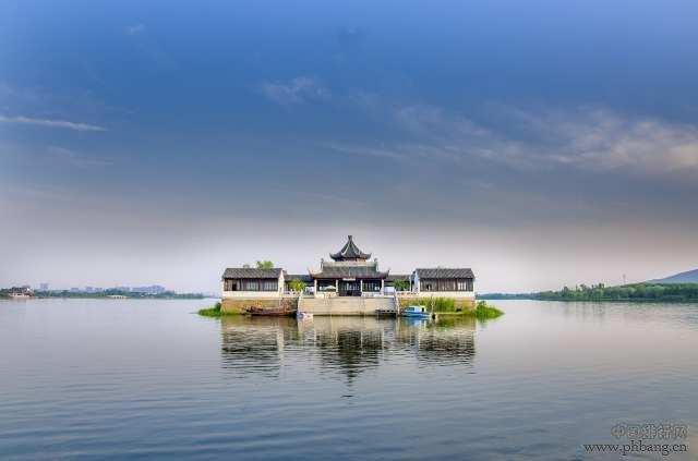 中国第一个拥有4座高铁站的城市,全国排名第8,却没飞机场